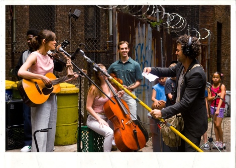 Photo courtesy of BEGIN AGAIN, the Weinstein Company and Exclusive Media.