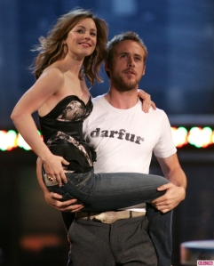 McAdams and Gosling reenacting their kiss for their win of 'Best Kiss' at the MTV Movie Awards, 2005.