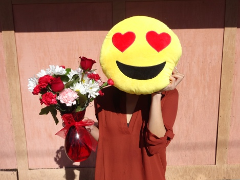 valentines-2017-heart-emoji-flowers-rachel-selfie