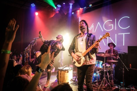 Magic Giant-1